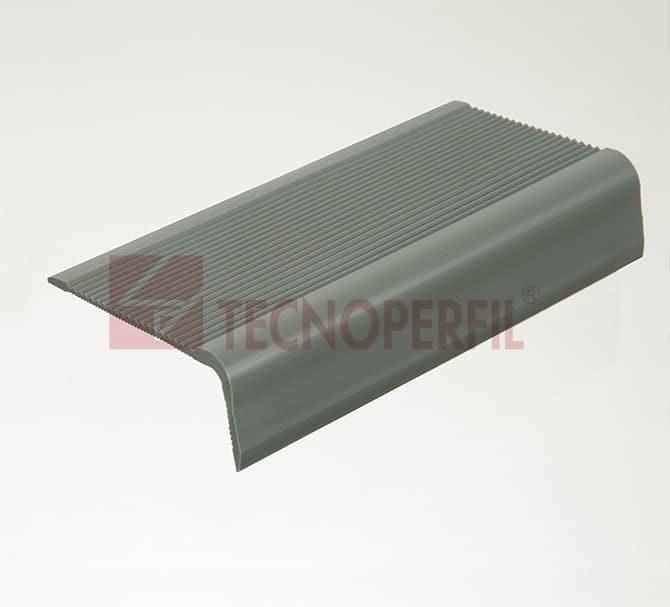ANTIDERRAPANTE – TESTEIRA DE DEGRAU EM PVC FLEXÍVEL - TEC 900